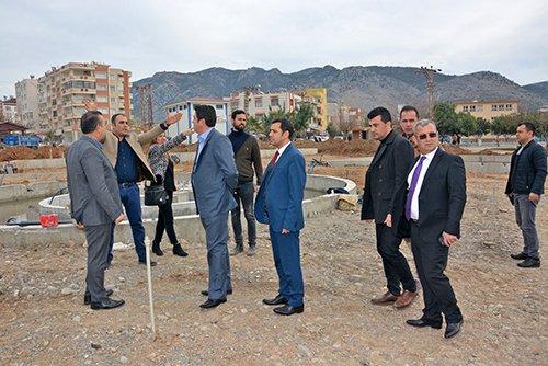 Büyükşehir Belediyesi Kozan'a Çıkarma Yaptı