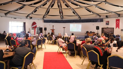 Kozan'da Teknoloji Bağımlılığı Semineri Gerçekleştirildi