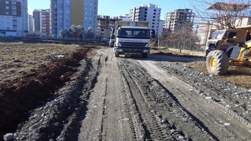 Kozan Belediyesi Yol Çalışmalarına Devam Ediyor