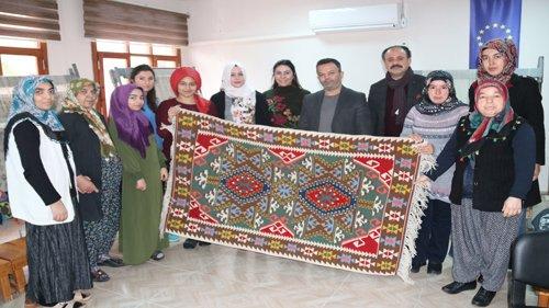 Kozan  Belediyesi'nin kurslarına büyük ilgi