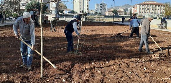 Kozan Belediyesi Semt Sahası Yapıyor